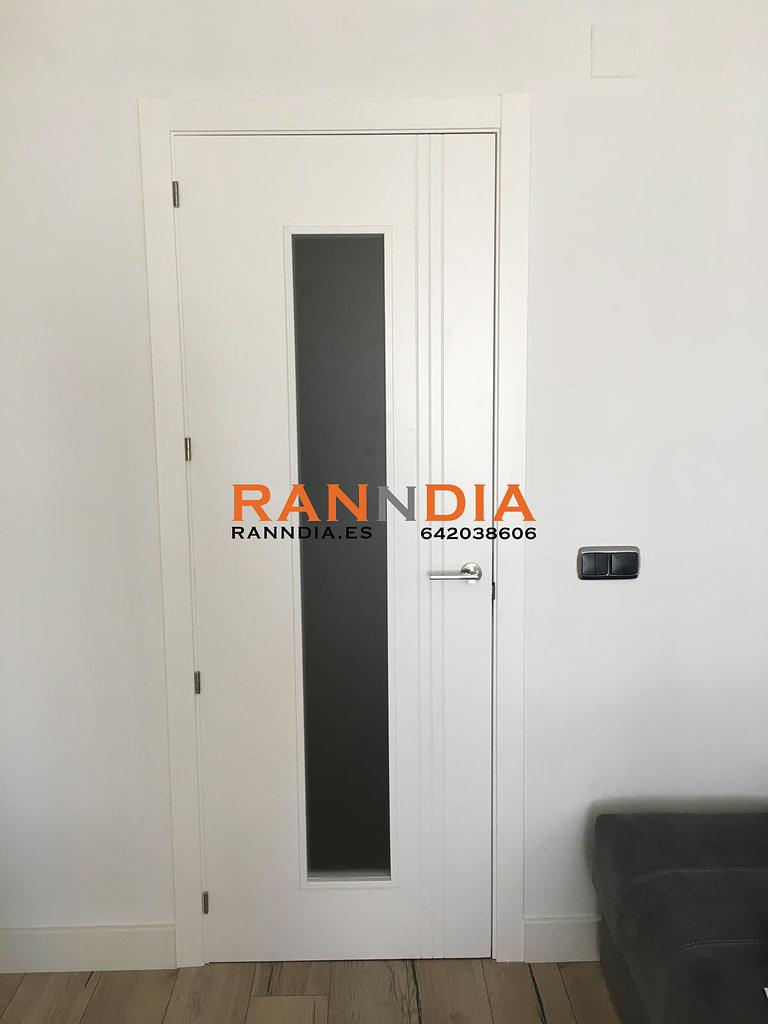 Puertas en Marbella blancas